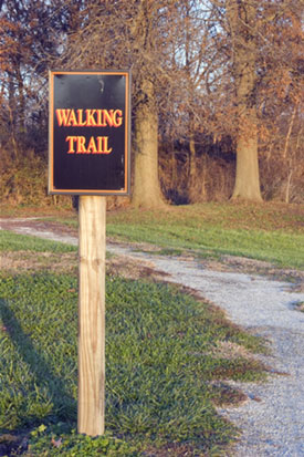 walkingtrailsign